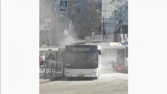 В Самаре загорелся автобус маршрута 41