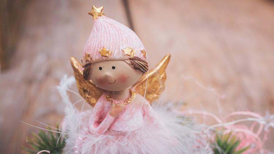 Именинники 25 ноября: кого поздравлять с Днем ангела и как назвать ребенка