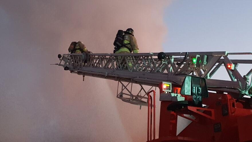 Несколько частных домов и здание администрации Рождествено горели в Самарской области