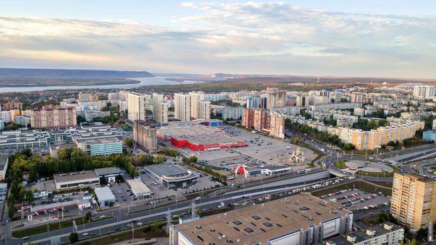 У Ипподрома построят высотку с детсадом и парковкой на 400 мест