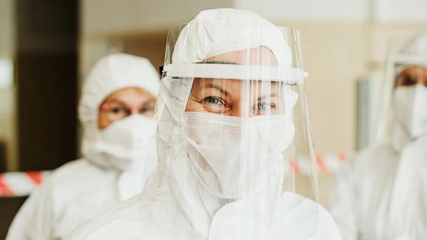 В Самаре отменяют новогодние корпоративы, растет количество заражений, ученые обнаружили напиток подавляющий COVID-19: всё что известно о коронавирусе к 23 ноября