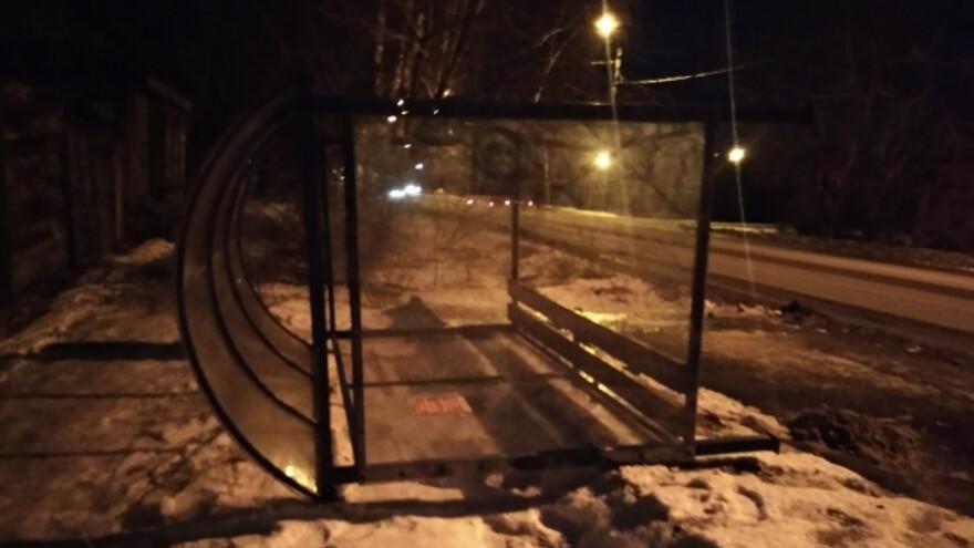 Ветром в Сызрани сдуло остановку