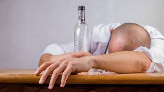 В Самарской области 193 человека скончались от отравления алкоголем