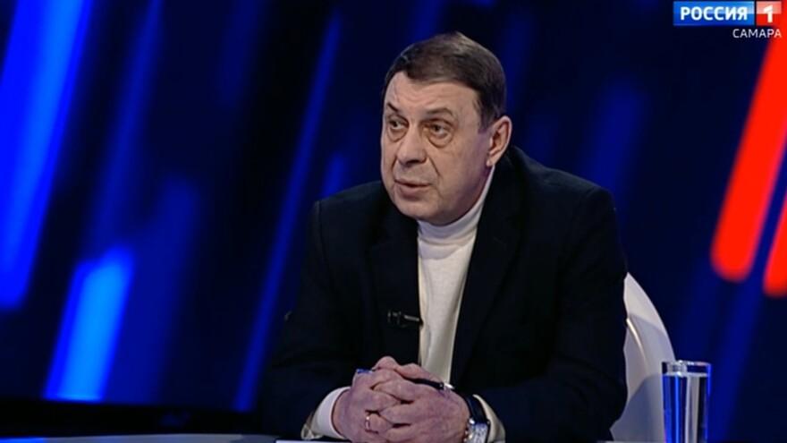 Виктор Часовских рассказал, как заставить УК убирать снег во дворе