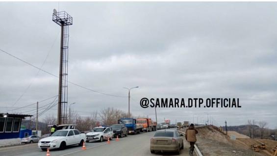 На въездах в Самару огромные пробки