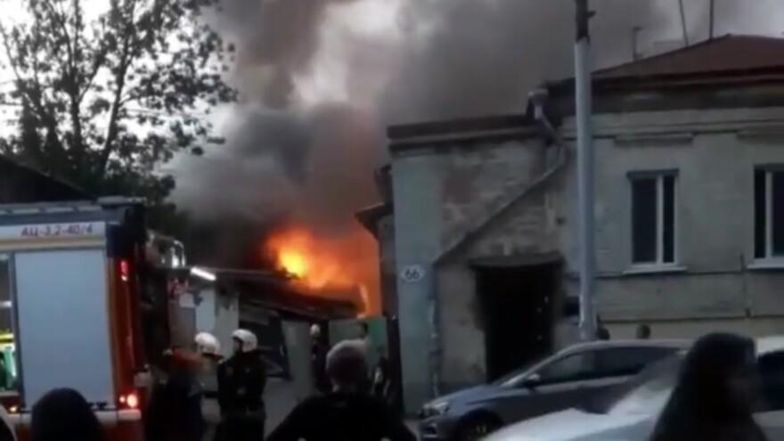 В старой Самаре 19 человек эвакуировали из-за пожара