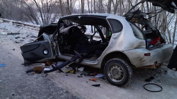 В Самаре водителя Лады пришлось вырезать из авто после ДТП