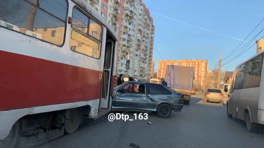 В Самаре из-за ДТП встали трамваи