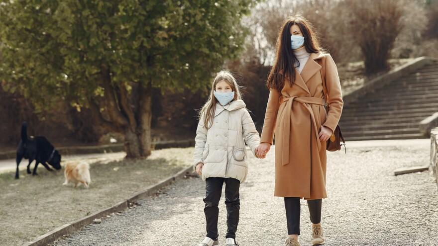 Чем грозит неправильное ношение масок: ответ врачей