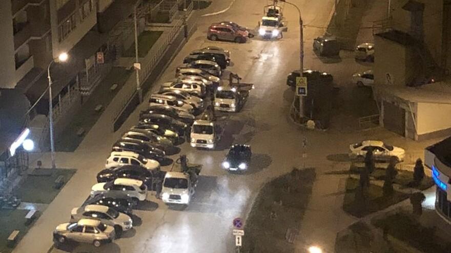 Жители 5 просеки жалуются на массовую эвакуацию машин