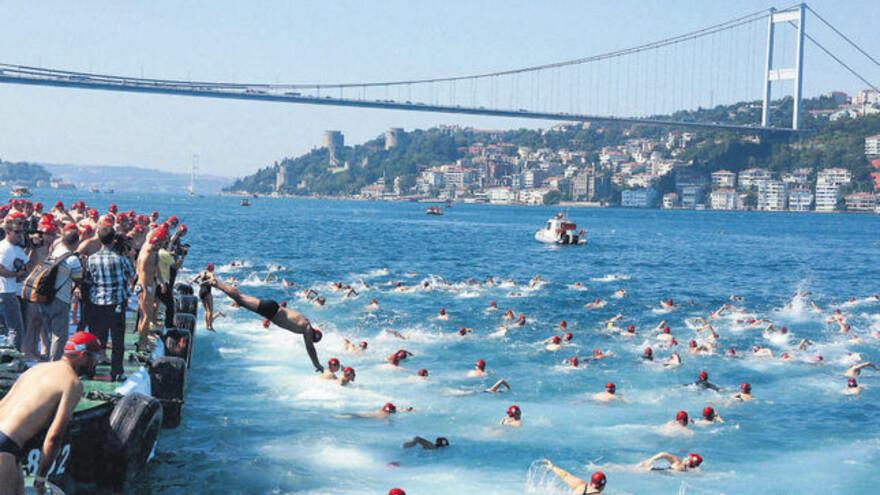 Пловец из Самары принял участие в заплыве из Азии в Европу