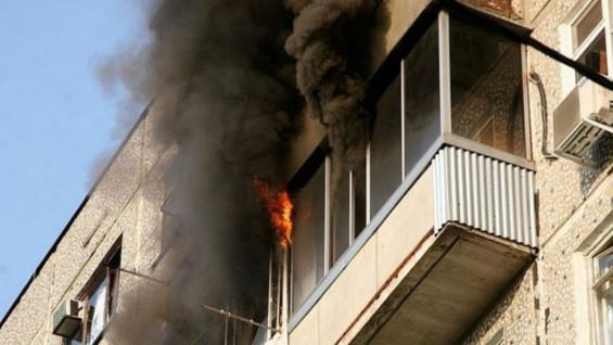 В Тольятти горел балкон жилого дома