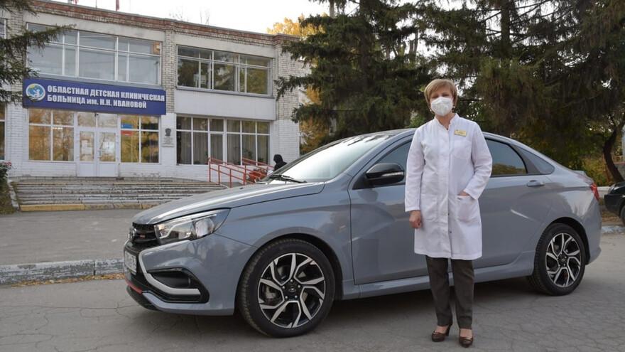 Власти региона предоставляют машины врачам