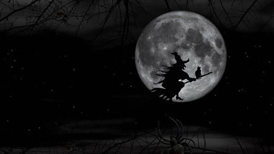 Обычаи и приметы на 26 декабря: что нельзя делать на Ведьминых посиделках