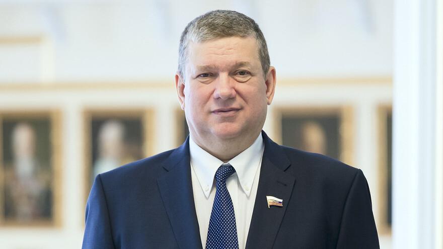 Губернатор Самарской области выразил соболезнования в связи с уходом из жизни вице-спикера Совета Федерации Евгения Бушмина