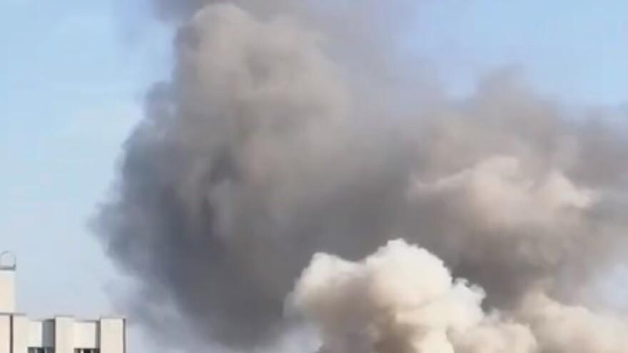 В Самаре потушили крупный пожар в ангаре на Заводском шоссе