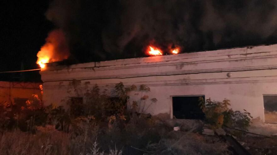 В Куйбышевском районе Самары горел склад
