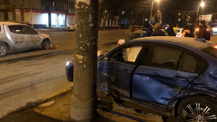 В ночь с 15 на 16 ноября в Самаре произошло серьезное ДТП
