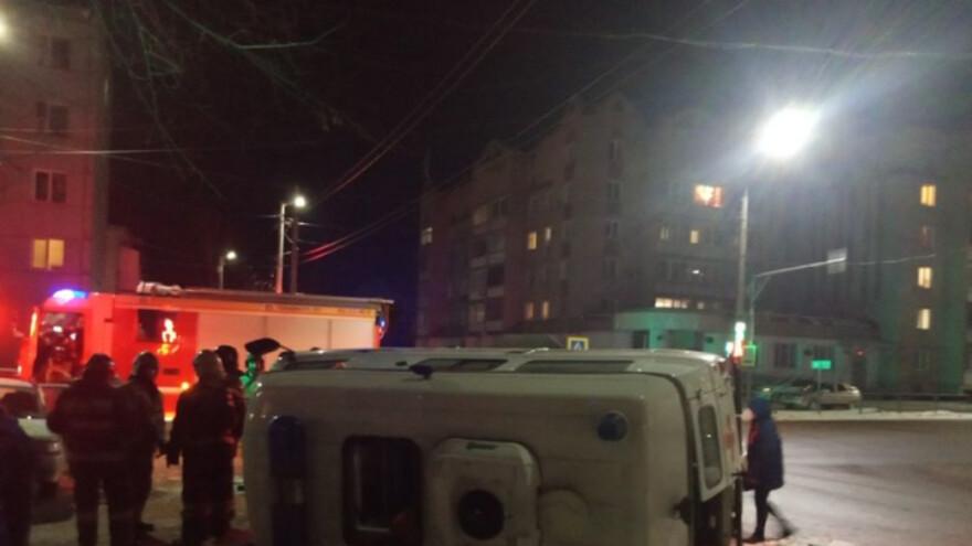В Сызрани перевернулась скорая помощь спешившая на вызов