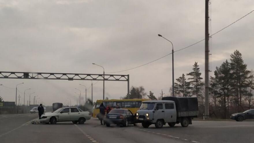 Молодой водитель устроил серьезную аварию около Сызрани