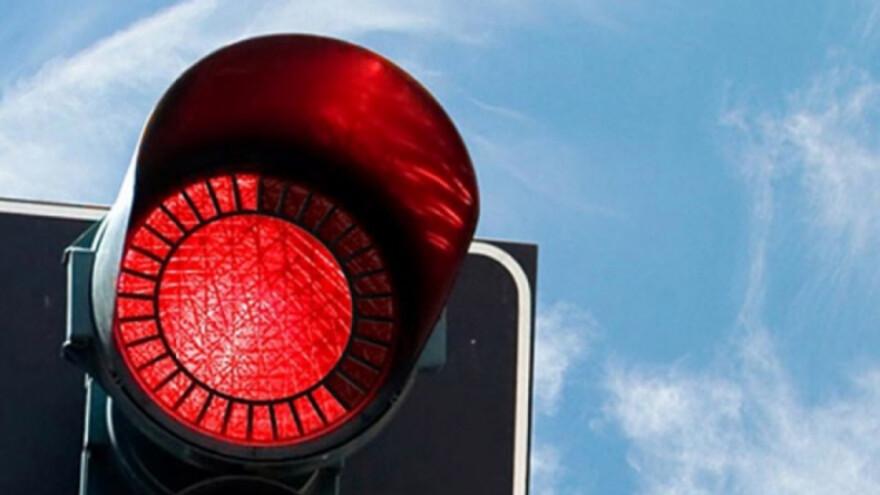 В Сызрани наркодилера подставил красный сигнал светофора