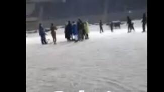 В Тольятти женщина полчаса пролежала на льду в ожидании медиков