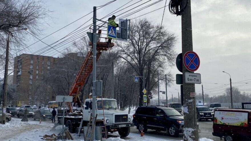 В Самаре на двух перекрестках установили светофоры и дорожные знаки