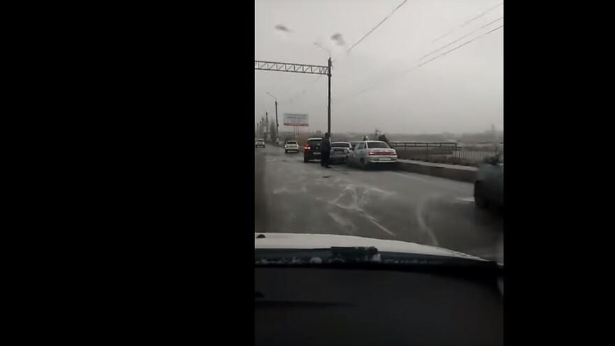 В Сызрани произошла массовая авария из-за гололеда