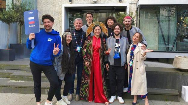 Самарец встретился с победителем «Евровидения-2021» - итальянской рок-группой Maneskin