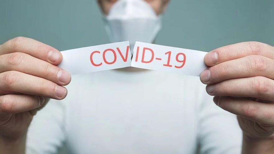 Врачи считают, что бессимптомные носители COVID-19 более заразные