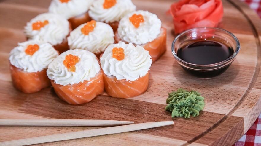 Санитарные врачи рассказали самарцам, как не испортить праздник суши и роллами