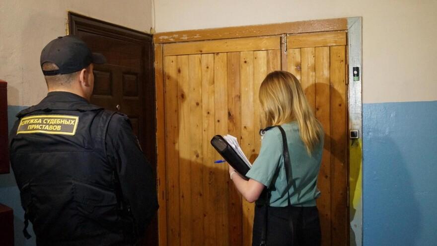 В Сызрани за долг 20 миллионов приставы арестовали 15 квартир