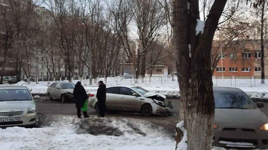 В Самаре на улице Фадеева произошло серьезное ДТП