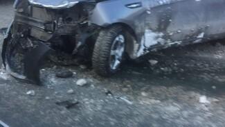 Капот всмятку: на улице Гагарина в Самаре столкнулись три машины