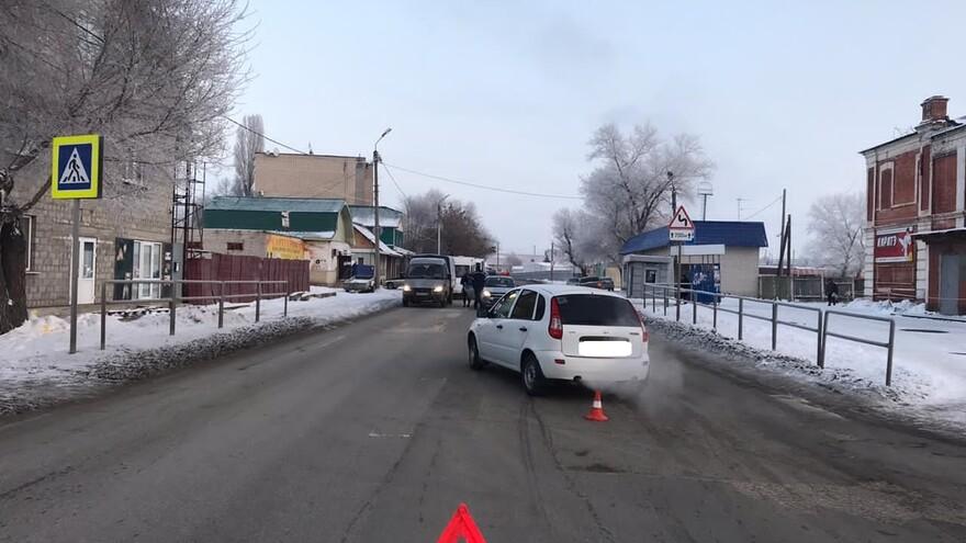 В Сызрани на Смирницкой под колеса «Калины» попала женщина