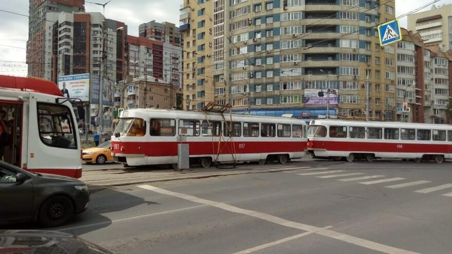 В Самаре у трамвая №22 отвалился токоприемник на проспекте Ленина