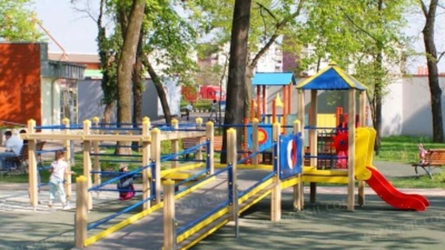 В Самаре открылась первая инклюзивная детская площадка