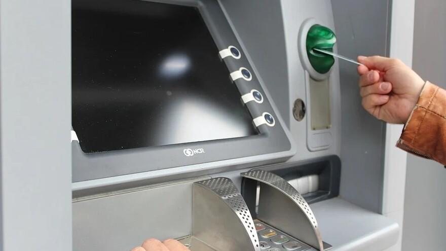 В Тольятти грабители обчистили банкомат