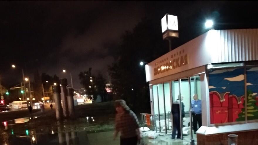 """В Самаре затопило вход на станцию метро """"Московская"""""""
