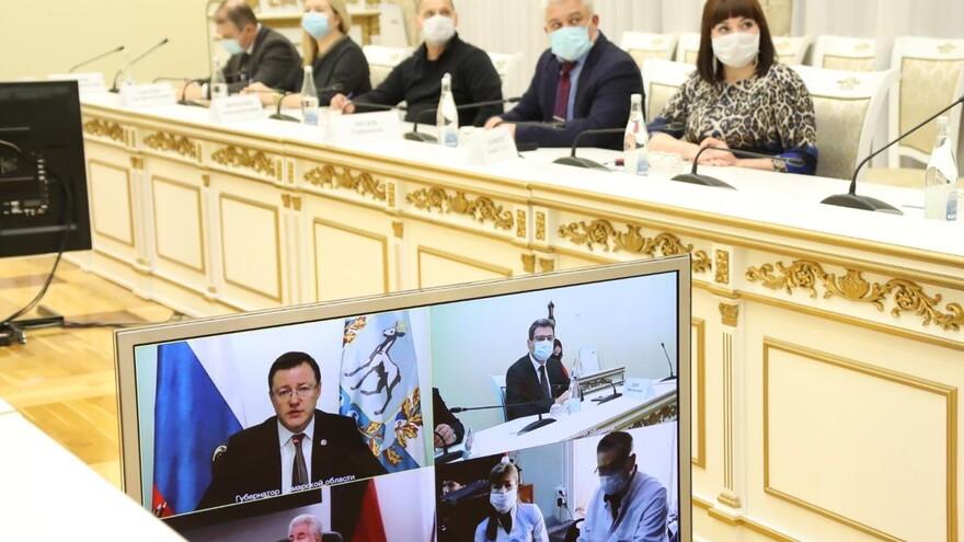 Дмитрий Азаров и члены рабочей группы по здравоохранению обсудили новый порядок и контроль за начислениями выплат медработникам
