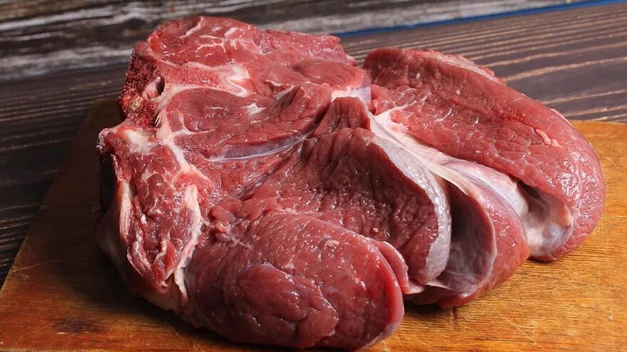 В Самарской области пытались кормить детей мясом больных и павших животных в детсадах и школах