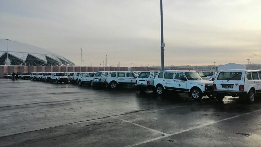 Больницы Самарской области получили 73 новых автомобиля