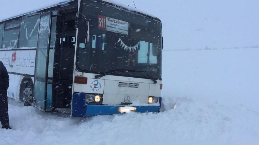 Из-за снегопада отменено автобусное сообщение между Самарой и Пензой