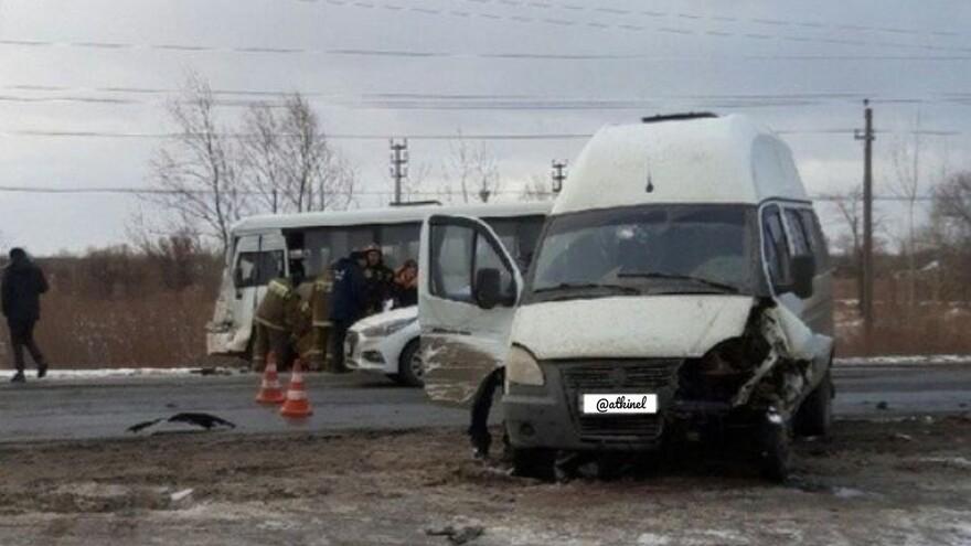В Кинеле в аварии с четырьмя машинами пострадало пять человек
