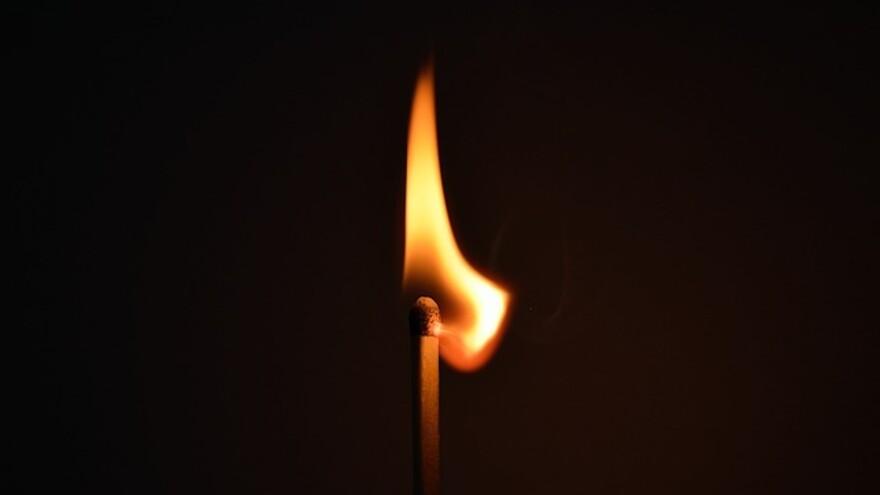 Во время пожара в Нефтегорске погиб пенсионер