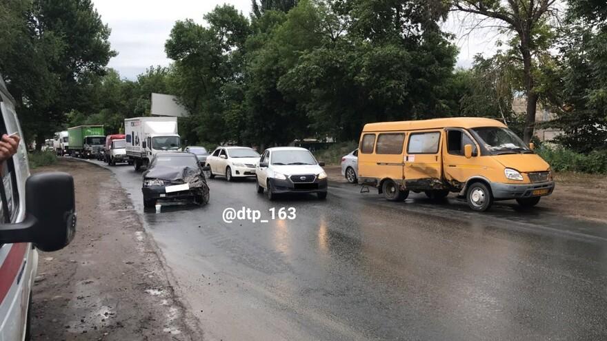 В Зубчаниновке маршрутка попала в серьезное ДТП