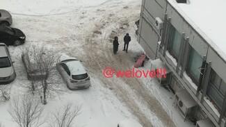 В Тольятти под окном дома обнаружили труп
