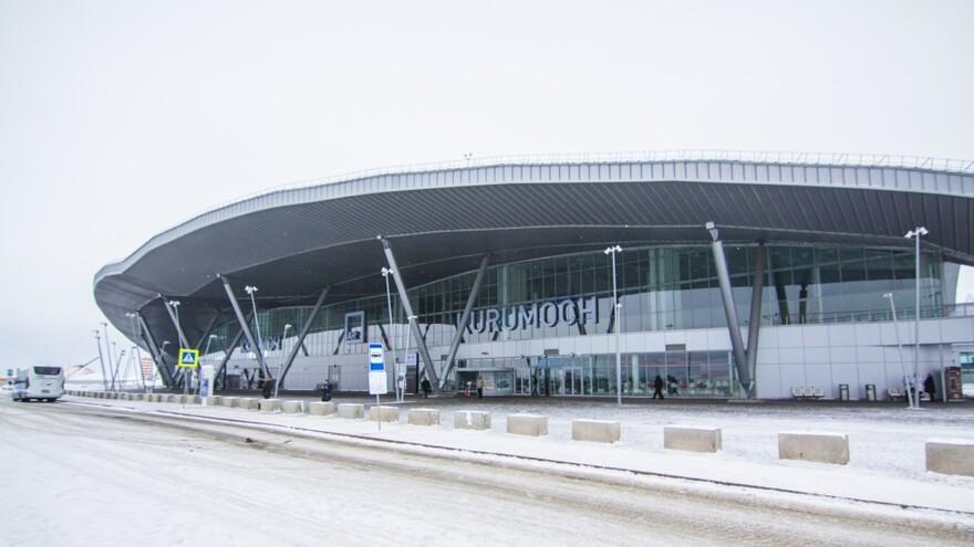 В Самаре на 10 часов задержали самолет, который летел в Симферополь