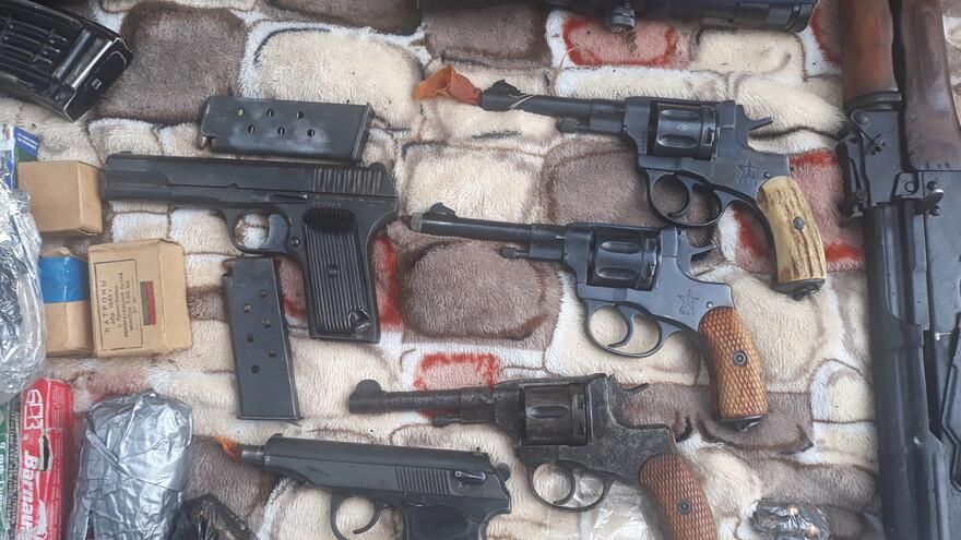 В Самарской области нашли тайник с оружием