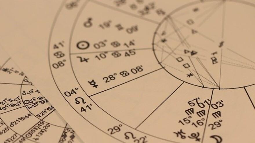 ТОП-5 знаков зодиака, представители которых видят вещие сны